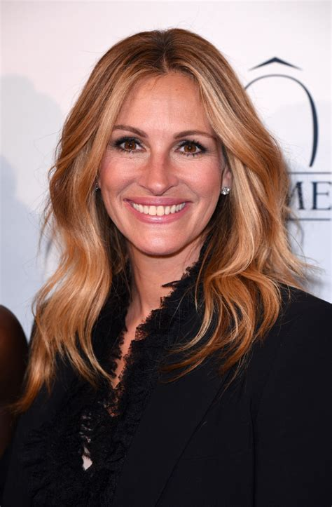 Julia Roberts To Star In Film About PTA Mom Framed For ...