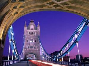 Crossing Over Tower Bridge London England - Famous Wallpaper