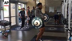Penn State Rb Saquon Barkley Shows Off In Weight Room