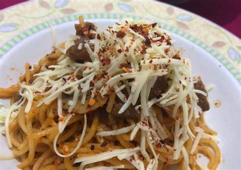 Dibuat dengan bumbu yang spesial, membuat rasa dari kedua spaghetti ini sangat lezat. Resep Spaghetti Bolognese oleh Deen_Yumivora - Cookpad