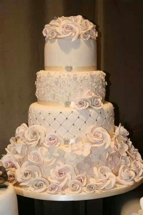 champagne color wedding cake cool cakes pinterest