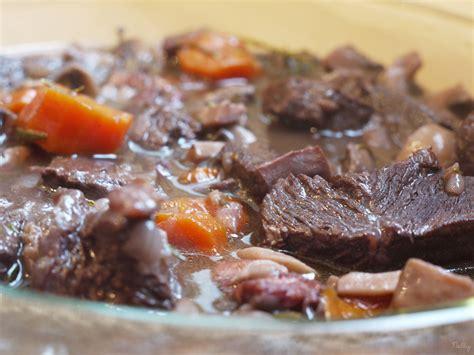 cuisiner le boeuf bourguignon boeuf bourguignon cocotte minute seb