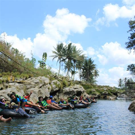 river tubing sungai oyo goa pindul jogja