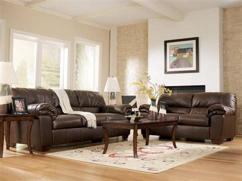 Living Rooms With Leather Furniture