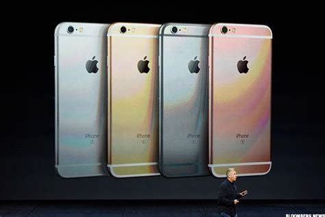 here s how much the iphone 6s and iphone 6s plus will cost here s why apple s aapl iphone 7 might not be that much