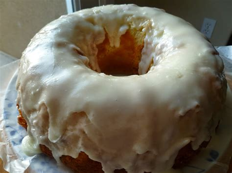 glaze for pound cake the pastry chef s baking lemon glazed lemon pound cake