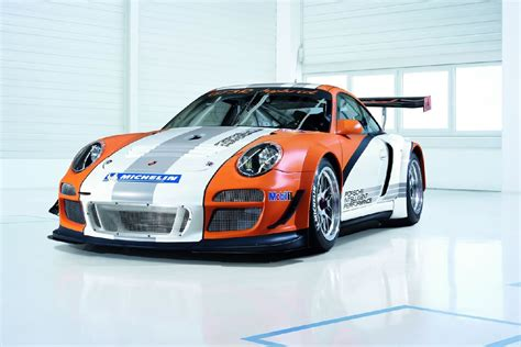 The 7 Most Iconic Porsche Cars Of All Time