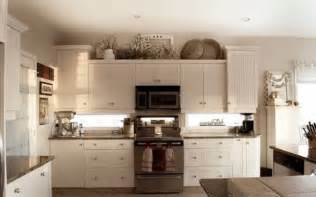 10 best ideas for modern decor above kitchen cabinets