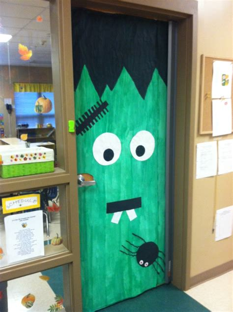 best 25 classroom door ideas on 198 | bc8710c2b1273bd60f667fb59c7cbd5e halloween classroom door preschool halloween