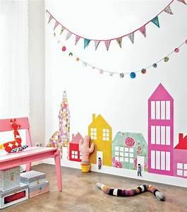 Decoration Murale Chambre Enfant : d corer un pan de mur avec nos id es en 42 photos ~ Teatrodelosmanantiales.com Idées de Décoration
