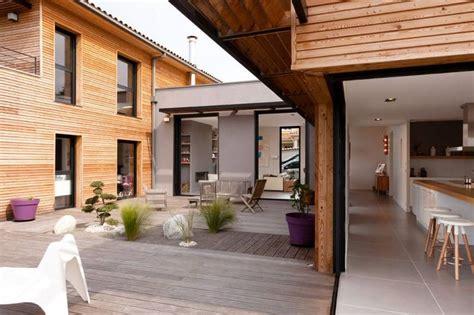 maison en bois lyon superbe maison bois contemporaine design 233 e par un architecte d int 233 rieur villas design and lyon