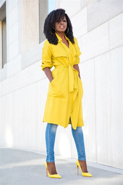Style Pantry | Yellow Trench + Bodysuit + Distressed Jeans