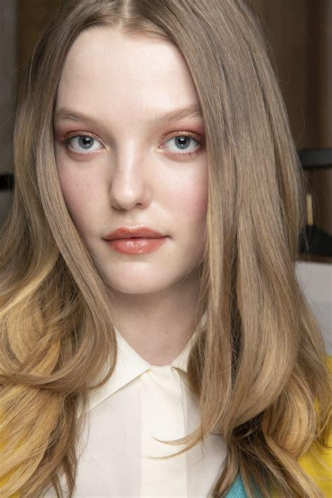 dark blonde    maintenance hair color trend coming