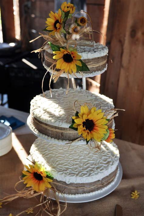 sunflower  burlap wedding cake  images burlap