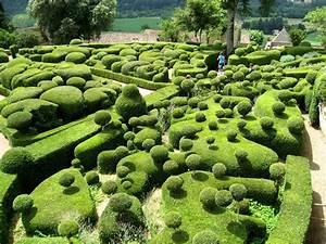 Surreal views of the marqueyssac topiary gardens topiary for Marqueyssac topiary gardens philippe jarrigeon