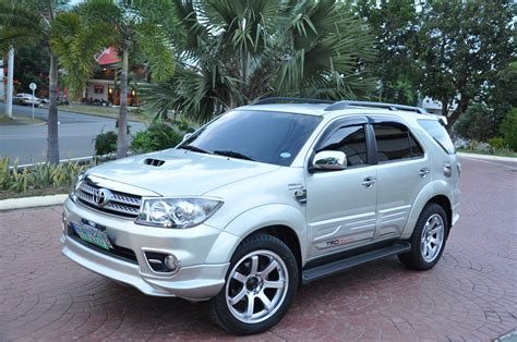 Toyota Fortuner Picture by 2010 Toyota Fortuner Pictures Information And Specs
