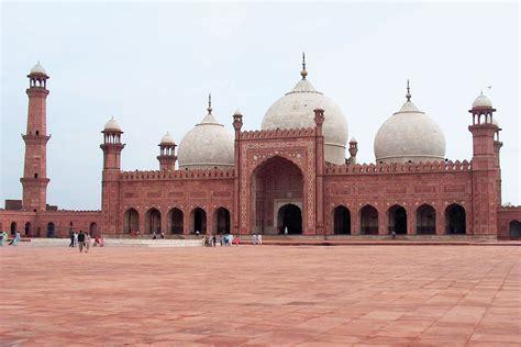 Bādshāhī Mosque   mosque, Lahore, Pakistan   Britannica