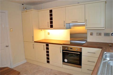 how to transform your kitchen cabinets how to change the look of kitchen cabinets door 8925