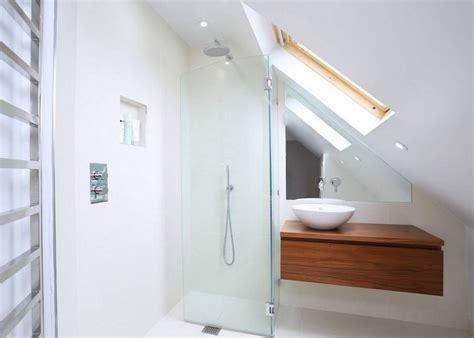 Kleine Badezimmer Mit Dachschräge Zur Wellness-oase