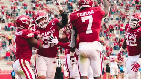Hogs pick off Corral six times in win over Rebels