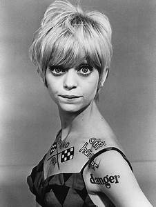 Goldie Hawn on Struggling in a Roach-Infested Apartment