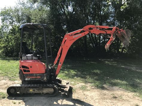 kubota  mini excavator miniature  digger rental  sale heavy equipment ottawa kijiji