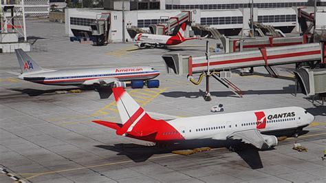 Better Airport Static Planes