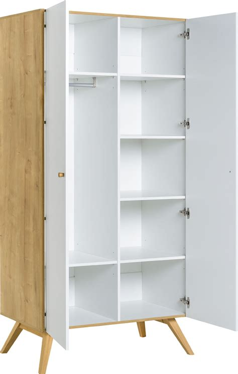 Commodegarderobe En Bois De Style Scandinave