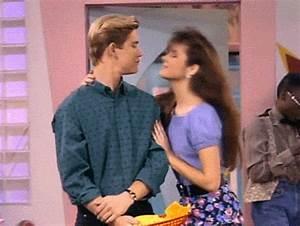 Kelly Kapowski fashion and style :: 90s fashion trends