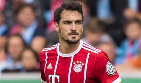 Mats hummels is to join borussia dortmund from bayern munich for a fee understood to be €38m (£ hummels, who has 70 germany caps, also made the switch from bayern to dortmund earlier in. Liverpool Transfer News: Fans urge Mats Hummels to make ...