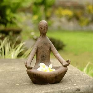 Statue Deco Jardin Exterieur : petit jardin zen 108 suggestions pour choisir votre style zen ~ Teatrodelosmanantiales.com Idées de Décoration