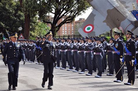 Firenze: Scuola Militare Aeronautica Giulio Douhet ...