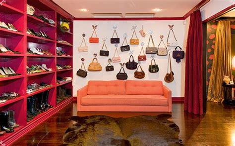 fashions closets an inside peep