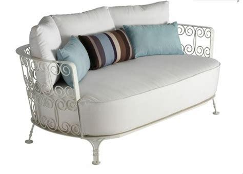 canapé en fer splendeur du mobilier de jardin en métal et fer forgé