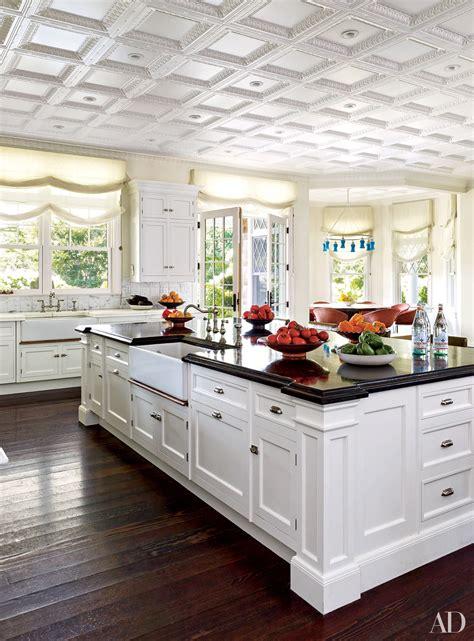 elegant white kitchen cabinets ten elegant kitchens november 3 2015 zsazsa bellagio