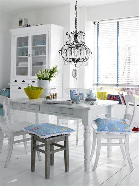 decorar comedor blanco  toques de color decoracionin