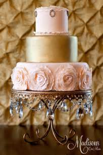 gold wedding cake gold wedding cakes the magazine