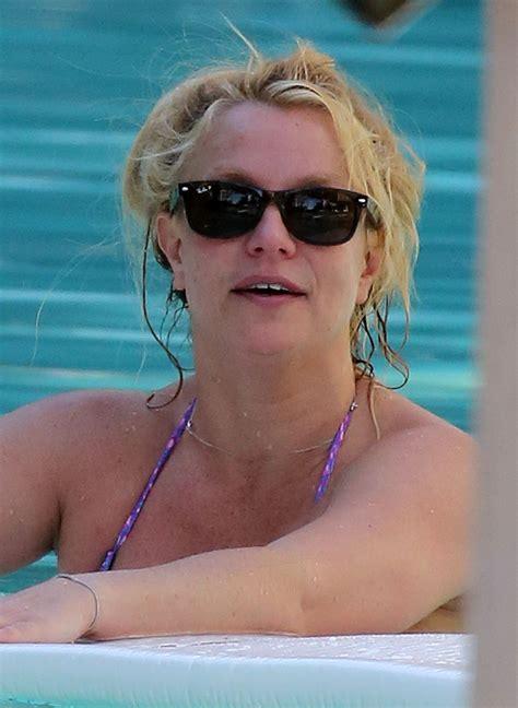 Britney Spears Sexy Bikini In Miami 24 Photos The