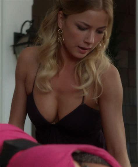 Emily Vancamp Nuda In Revenge