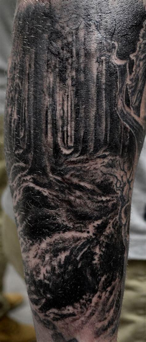 tatouage foret par stephane bueno tatoueur studio black