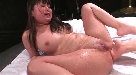 Japanese anal sex scene stretches her ass - Japanese Porn
