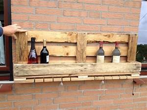 Weinregal Selber Bauen Holz : weinregal aus einer palette mit glashalter anleitung zum ~ Watch28wear.com Haus und Dekorationen