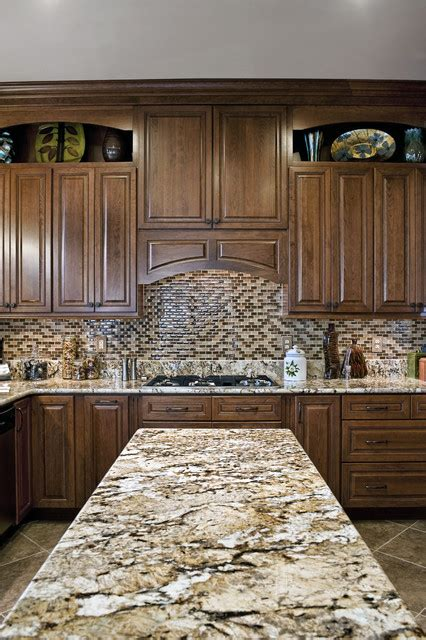 kitchen cabinets with countertops my thomasville cabinets will be this color shown here 9534