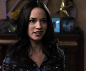 Alexis Knapp GIF - Find & Share on GIPHY