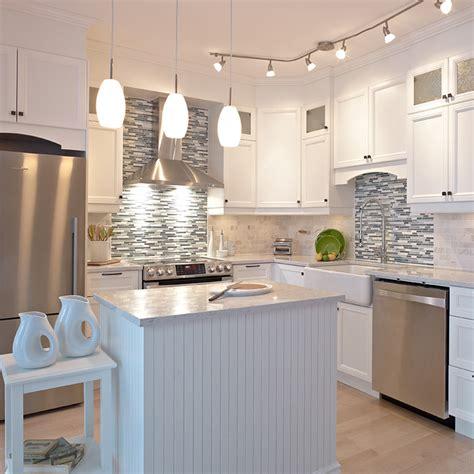 cuisine en m駘amine cuisines beauregard cuisine réalisation 280 cuisine blanche en mélamine polyester