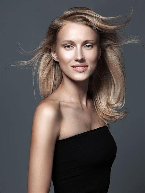 Coiffure cheveux longs blonds - Cru00e9ation Cizoru0026#39;s - CIZORu0026#39;S Coiffeur Visagiste Paris