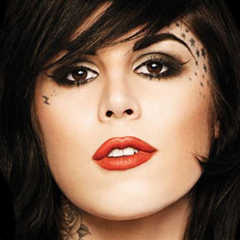 TATTOO: Face Tattoo Girl
