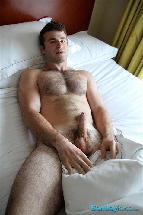 22 Year Old Straight Hairy Muscle College Stud From ...