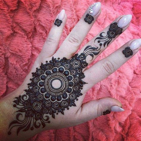 hand unique mehndi designs  party