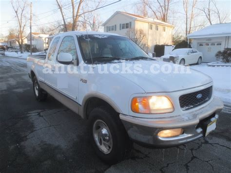 ford  lariat  pickup truck   sale